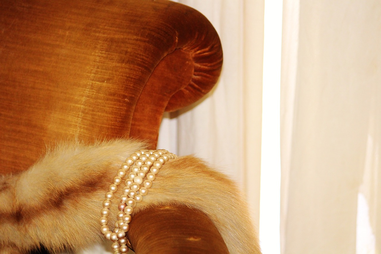 pearl-necklace-483841_1280.jpg