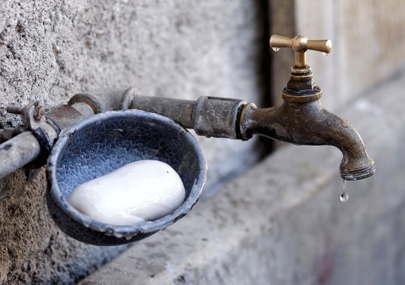 faucet-1581573_1280