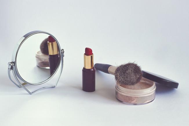 cosmetics-1543276_1280