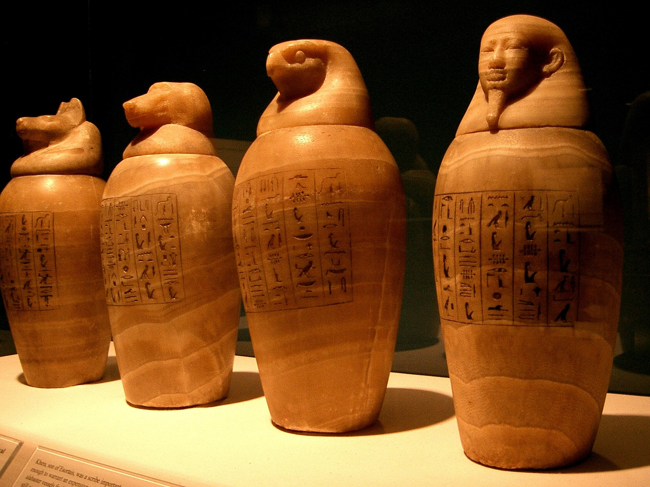 canopic-jars-765073_1280