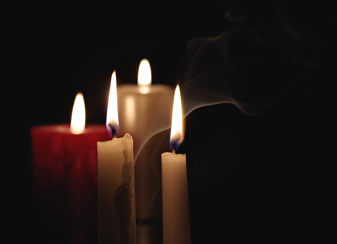 candle-2909301_1280