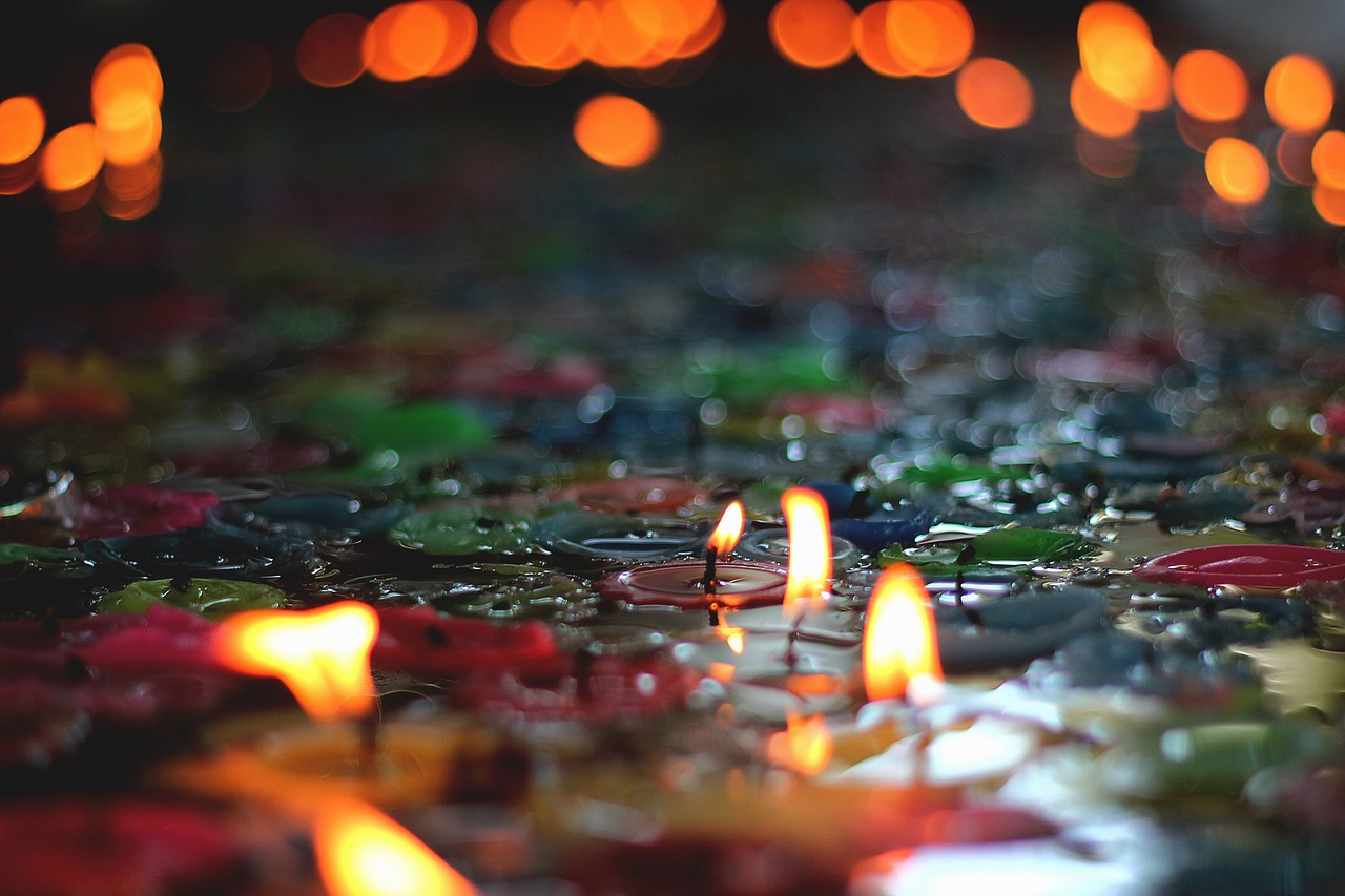candles-2550688_1280